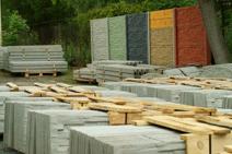 Betonový plot štípaný kámen